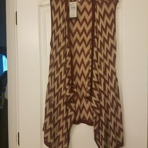 Chevron print burgundy/beige cardigan